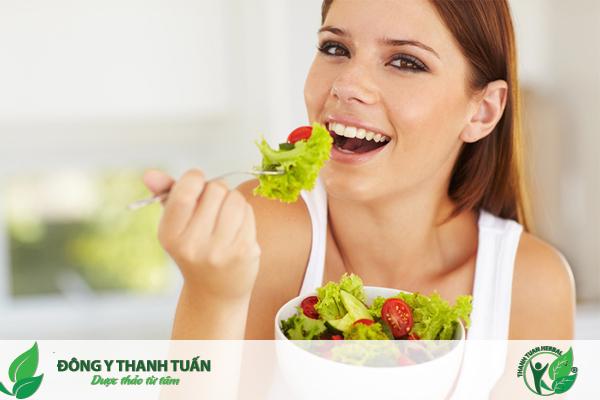 Ăn nhiều rau xanh trái cây để bảo vệ sức khỏe