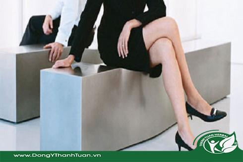 bệnh đau gót chân ở nhân viên văn phòng
