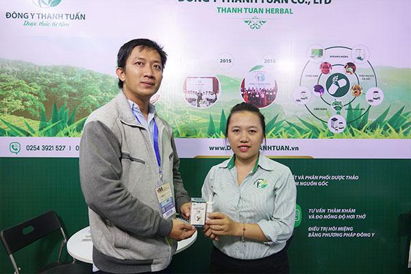 Anh Hùng chia sẻ cảm nhận về thuốc xịt viêm xoang Thanh Tỵ Linh
