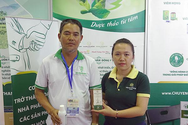 Chú Định dùng thử sản phẩm Thanh Hương Plus