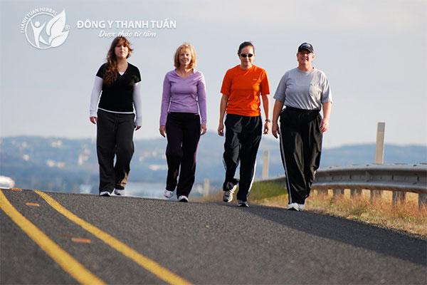 Giấc ngủ sẽ được cải thiện bằng việc tập thể dục nhẹ nhàng hoặc đi bộ thường xuyên