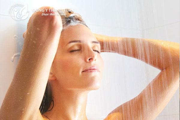 Tắm nước ấm giúp cơ thể thư giãn và ngủ ngon hơn